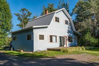 Photo 1: 420 HUDSON BAY MOUNTAIN Road in Smithers: Smithers - Rural House for sale (Smithers And Area (Zone 54))  : MLS®# R2611709