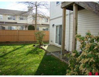 """Photo 8: 170 10077 156TH Street in Surrey: Guildford Townhouse for sale in """"Guildford Park"""" (North Surrey)  : MLS®# F2804645"""