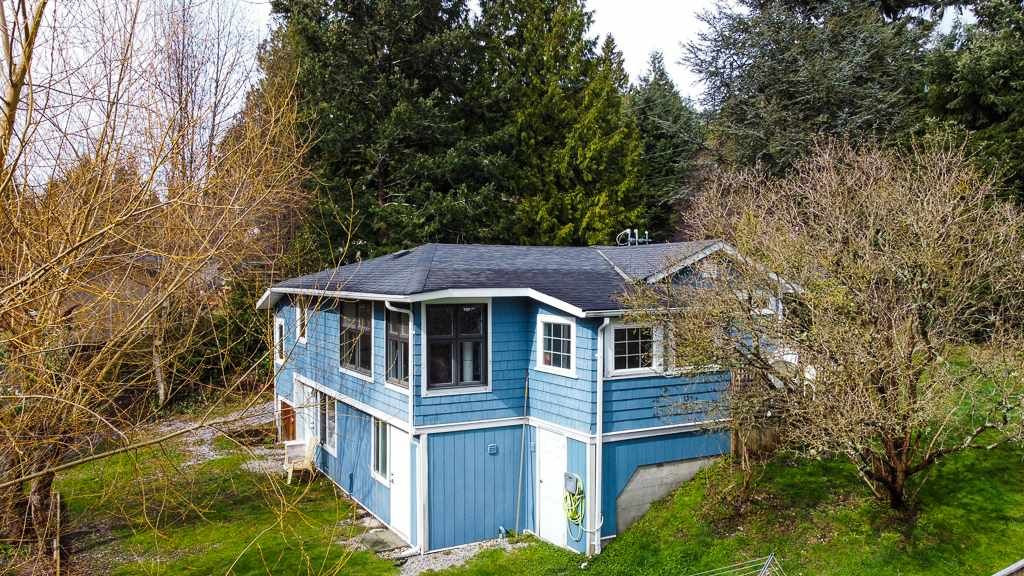 Main Photo: 4365 GUN CLUB Road in Sechelt: Sechelt District House for sale (Sunshine Coast)  : MLS®# R2555174