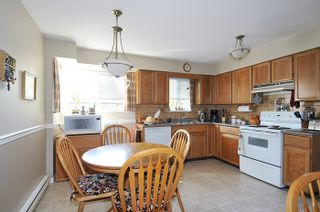 Photo 2: 22116 CANUCK Crescent in Maple Ridge: West Central House for sale : MLS®# R2061368
