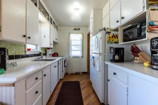 Photo 4: 14802 104 Avenue NW in Edmonton: Zone 21 House for sale : MLS®# E4238934