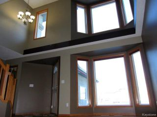 Photo 3: 43 Langdale Way in WINNIPEG: Fort Garry / Whyte Ridge / St Norbert Residential for sale (South Winnipeg)  : MLS®# 1500041