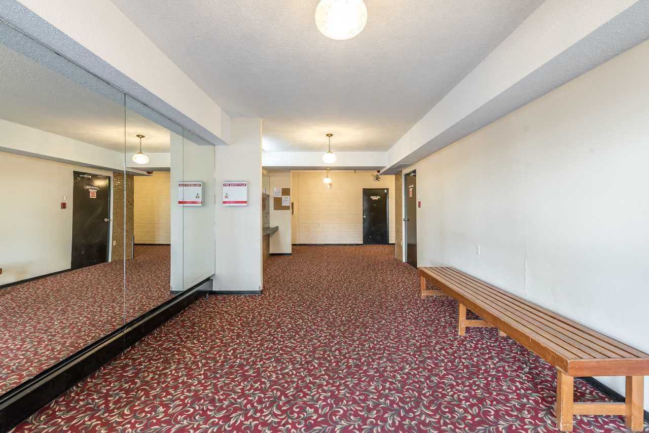 Main Photo: 203 6420 BUSWELL Street in Richmond: Brighouse Condo for sale : MLS®# R2137140