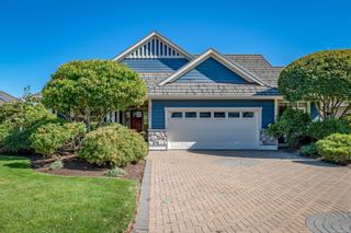 Main Photo: 3301 Crown Isle Dr in : CV Crown Isle House for sale (Comox Valley)  : MLS®# 886382