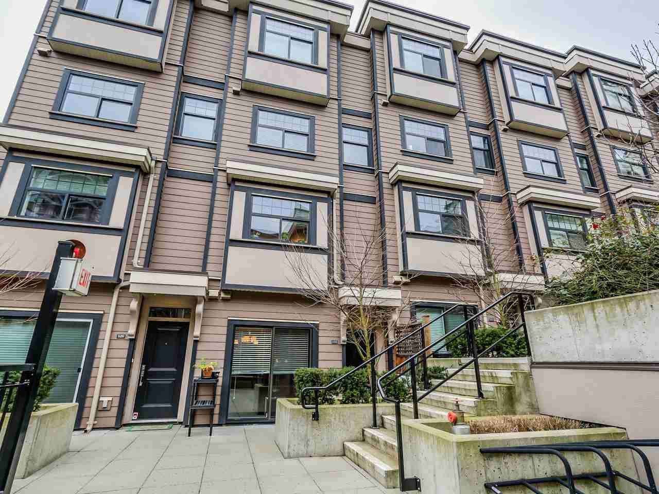 Main Photo: 110 828 ROYAL AVENUE in : Downtown NW Residential Attached for sale : MLS®# R2024043