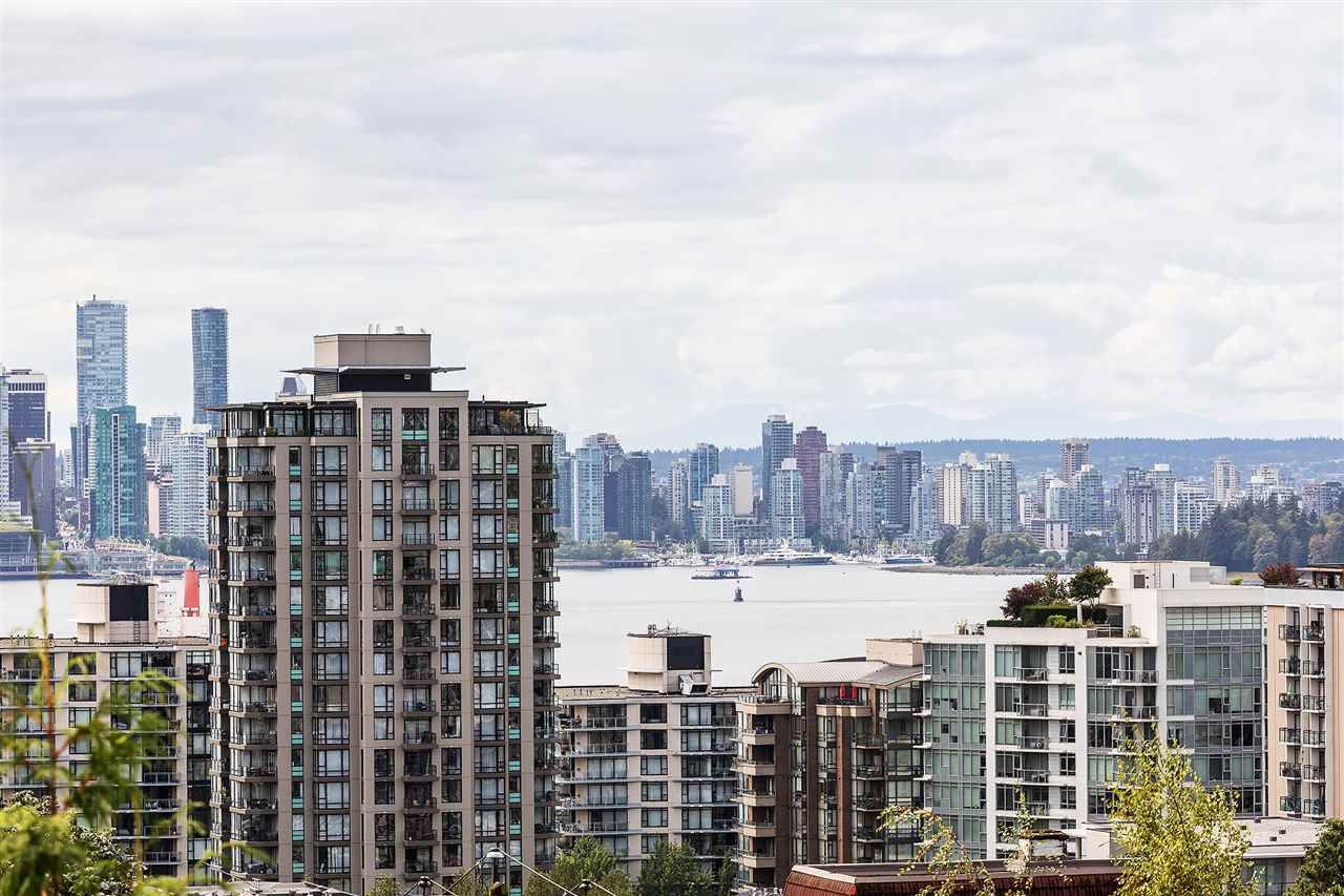 Main Photo: 502 567 LONSDALE Avenue in North Vancouver: Lower Lonsdale Condo for sale : MLS®# R2518852