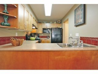 """Photo 5: 105 15621 MARINE Drive: White Rock Condo for sale in """"Pacific Point"""" (South Surrey White Rock)  : MLS®# F1320279"""
