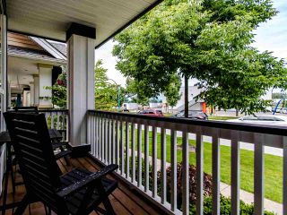 """Photo 33: 19094 70 Avenue in Surrey: Clayton House for sale in """"CLAYTON"""" (Cloverdale)  : MLS®# R2472956"""