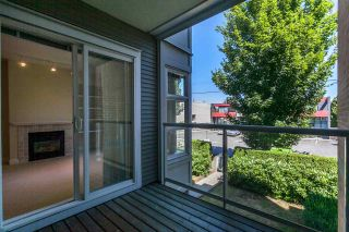 """Photo 8: 211 6198 ASH Street in Vancouver: Oakridge VW Condo for sale in """"THE GROVE"""" (Vancouver West)  : MLS®# R2193582"""