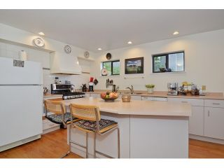 """Photo 5: 3256 FLEMING Street in Vancouver: Knight House for sale in """"CEDAR COTTAGE"""" (Vancouver East)  : MLS®# V1116321"""