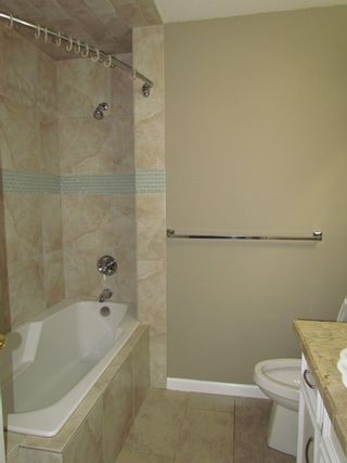 Photo 8: 2909 SOUTHERN CR in ABBOTSFORD: Abbotsford West House for rent (Abbotsford)