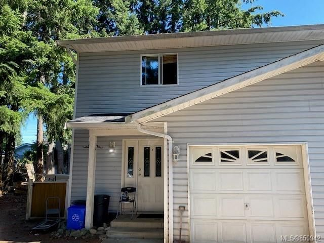Main Photo: 264A Westgate Rd in : CR Willow Point Half Duplex for sale (Campbell River)  : MLS®# 850942