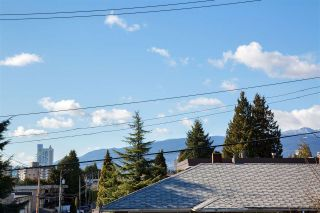 Photo 12: 332 ST. PATRICK'S Avenue in North Vancouver: Lower Lonsdale 1/2 Duplex for sale : MLS®# R2556186