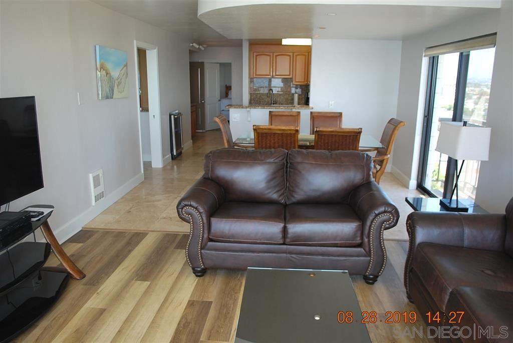 Photo 3: Photos: PACIFIC BEACH Condo for sale : 2 bedrooms : 4767 Ocean Blvd. #801 in San Diego
