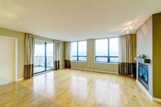 """Photo 2: 3006 4333 CENTRAL Boulevard in Burnaby: Metrotown Condo for sale in """"Presidia"""" (Burnaby South)  : MLS®# R2423050"""