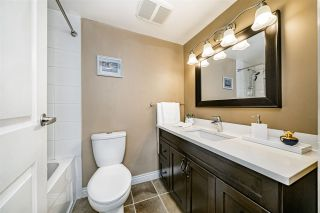 "Photo 17: 501 31 ELLIOT Street in New Westminster: Downtown NW Condo for sale in ""ROYAL ALBERT TOWERS"" : MLS®# R2517434"