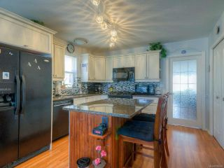 Photo 3: 857 Edgeware Ave in PARKSVILLE: PQ Parksville House for sale (Parksville/Qualicum)  : MLS®# 788969