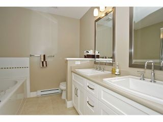 """Photo 14: 2 15454 32ND Avenue in Surrey: Grandview Surrey Townhouse for sale in """"Nuvo"""" (South Surrey White Rock)  : MLS®# F1324116"""