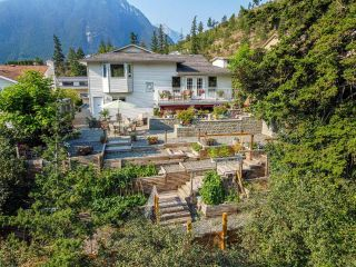 Photo 2: 831 EAGLESON Crescent: Lillooet House for sale (South West)  : MLS®# 163459