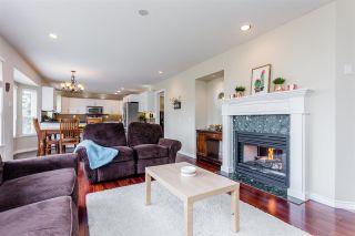 "Photo 10: 10790 LINDEN Court in Surrey: Fraser Heights House for sale in ""Glenwood"" (North Surrey)  : MLS®# R2252454"