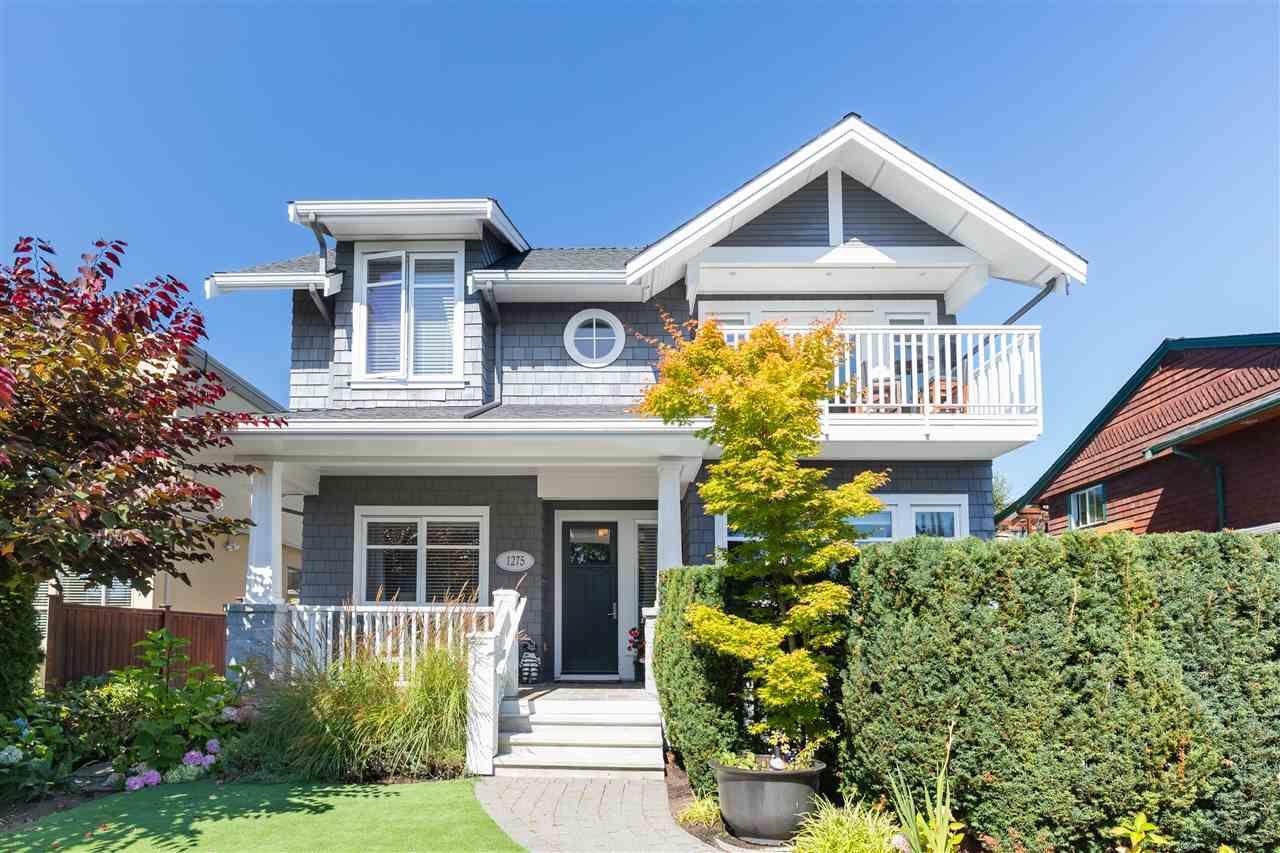 Main Photo: 1275 ESQUIMALT Avenue in West Vancouver: Ambleside House for sale : MLS®# R2502213