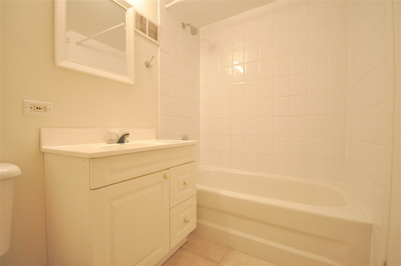 Photo 12: Photos: 608 11025 JASPER Avenue in Edmonton: Zone 12 Condo for sale : MLS®# E4189379