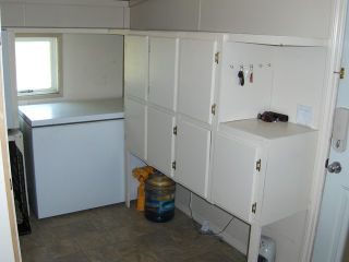 """Photo 9: 3272 HAYMAN Crescent in Quesnel: Quesnel Rural - South Manufactured Home for sale in """"YENDRES SUBDIVISION"""" (Quesnel (Zone 28))  : MLS®# N211126"""