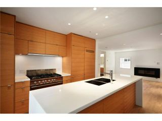 """Photo 2: 1556 COMOX Street in Vancouver: West End VW Townhouse for sale in """"C & C"""" (Vancouver West)  : MLS®# V908911"""