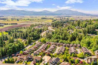 """Photo 5: 48 36169 LOWER SUMAS MOUNTAIN Road in Abbotsford: Abbotsford East Townhouse for sale in """"Junction Creek"""" : MLS®# R2584461"""