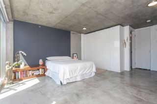 """Photo 11: 512 1540 W 2ND Avenue in Vancouver: False Creek Condo for sale in """"WATERFALL BUILDING BY ARTHER ERI"""" (Vancouver West)  : MLS®# R2186544"""