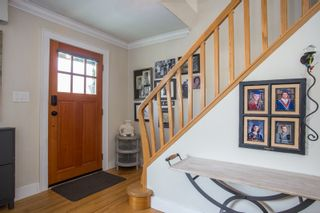 Photo 2: 859 E 15TH Street in North Vancouver: Boulevard House for sale : MLS®# R2335791
