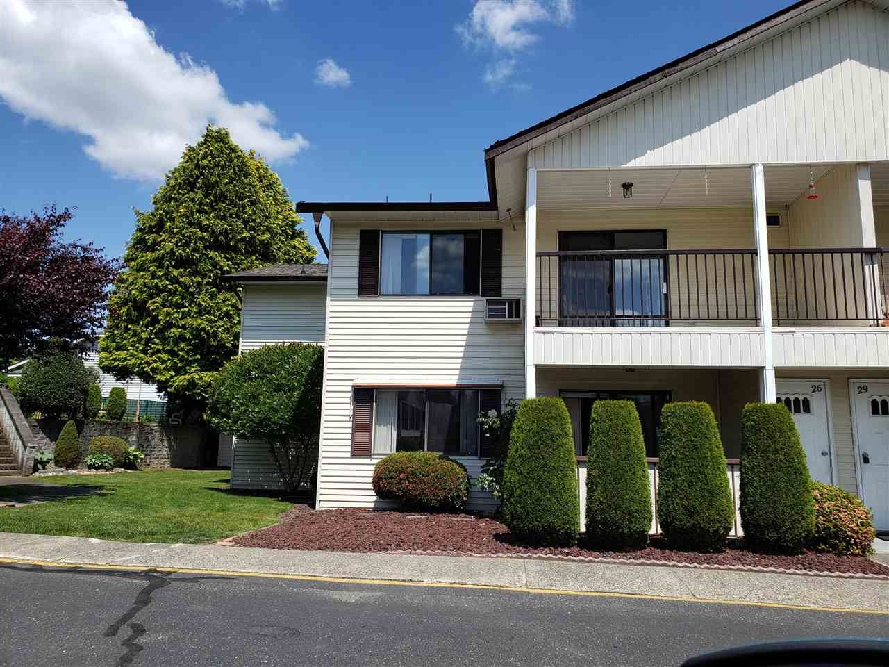 """Main Photo: 29 32959 GEORGE FERGUSON Way in Abbotsford: Central Abbotsford Townhouse for sale in """"Oakhurst Park"""" : MLS®# R2588253"""