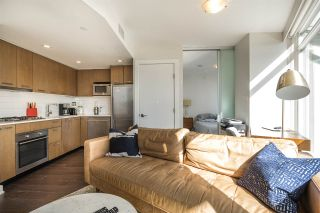 """Photo 3: 1007 1372 SEYMOUR Street in Vancouver: Downtown VW Condo for sale in """"The Mark"""" (Vancouver West)  : MLS®# R2554950"""