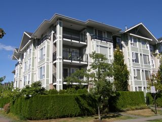 """Main Photo: 219 7089 MONT ROYAL Square in Vancouver: Champlain Heights Condo for sale in """"CHAMPLAIN VILLAGE"""" (Vancouver East)  : MLS®# V1082404"""