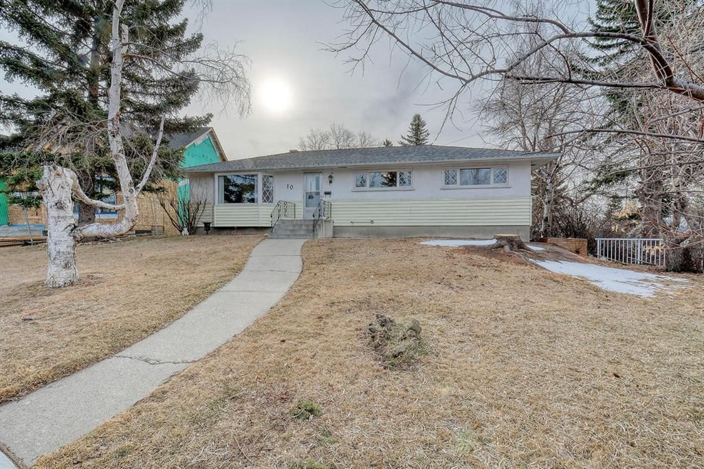 Main Photo: 10 Stanley Crescent SW in Calgary: Elboya Detached for sale : MLS®# A1089990
