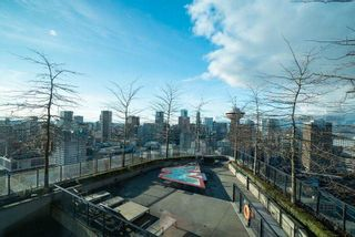 """Photo 19: 3208 128 W CORDOVA Street in Vancouver: Downtown VW Condo for sale in """"Woodward's (W43)"""" (Vancouver West)  : MLS®# R2587724"""