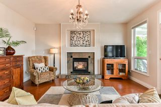 Photo 4: 15522 78A Avenue in Surrey: Fleetwood Tynehead House for sale : MLS®# R2344843