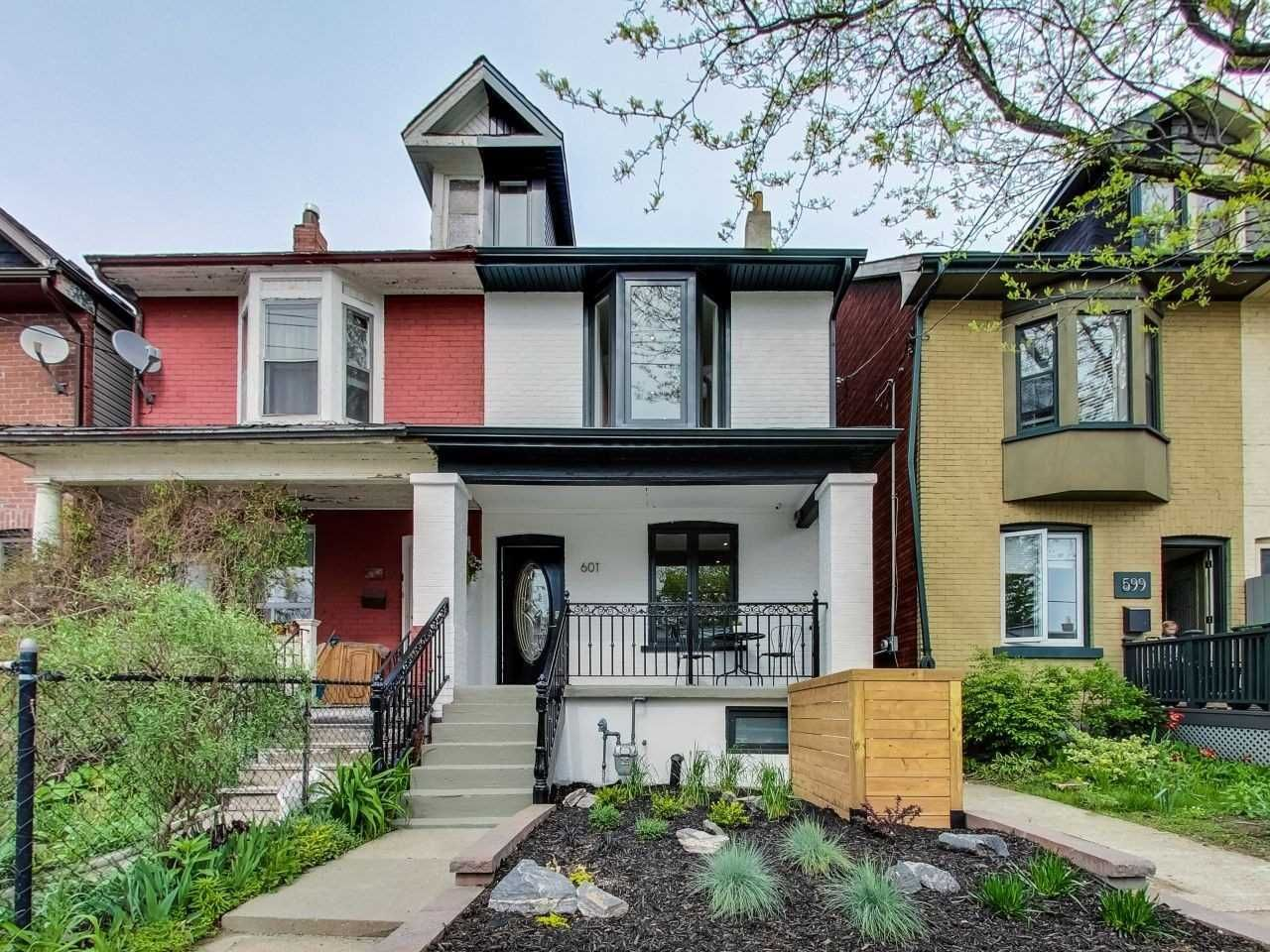 Main Photo: 601A Pape Avenue in Toronto: South Riverdale House (2 1/2 Storey) for lease (Toronto E01)  : MLS®# E4649373