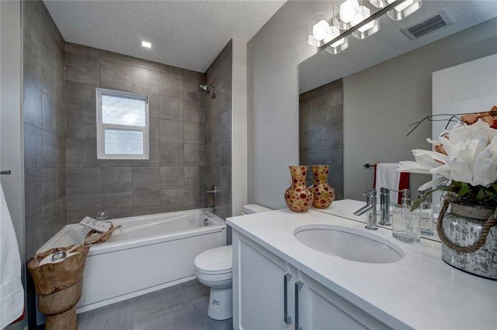 Photo 35: Photos: 210 OAKMOOR Place SW in Calgary: Oakridge House for sale : MLS®# C4111441