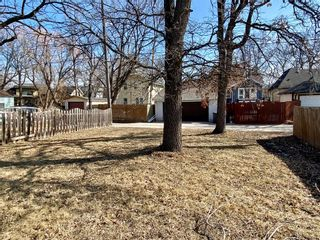 Photo 2: 318 Beaverbrook Street in Winnipeg: River Heights North Residential for sale (1C)  : MLS®# 202106213