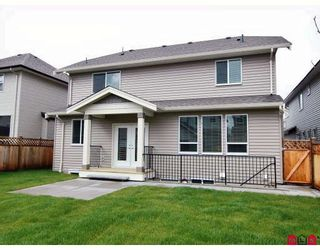 """Photo 10: 21186 83A Avenue in Langley: Willoughby Heights House for sale in """"YORKSON"""" : MLS®# F2805996"""