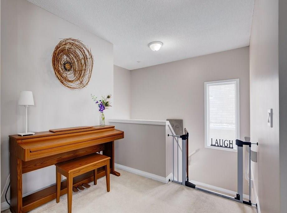 Photo 13: Photos: 32 INVERNESS Boulevard SE in Calgary: McKenzie Towne House for sale : MLS®# C4175544