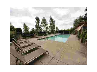 """Photo 8: 109 1438 PARKWAY Boulevard in Coquitlam: Westwood Plateau Condo for sale in """"MONTREUX"""" : MLS®# V910536"""