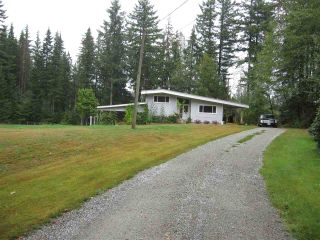 Photo 1: 29907 DEWDNEY TRUNK Road in Mission: Stave Falls House for sale : MLS®# R2250295