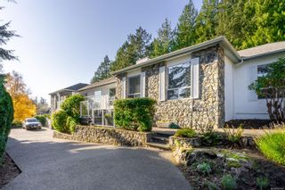 Photo 2: 4794 Amblewood Dr in : SE Broadmead House for sale (Saanich East)  : MLS®# 860189