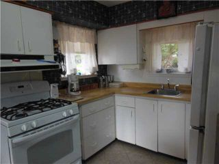 """Photo 3: 1167 CLOVERLEY Street in NORTH VANC: Calverhall House for sale in """"CALVERHALL"""" (North Vancouver)  : MLS®# V1142638"""