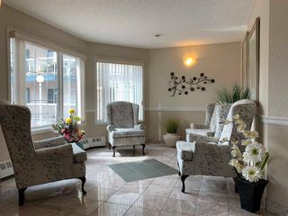 Photo 5: 109 17150 94a Avenue in Edmonton: Zone 20 Condo for sale : MLS®# E4226673