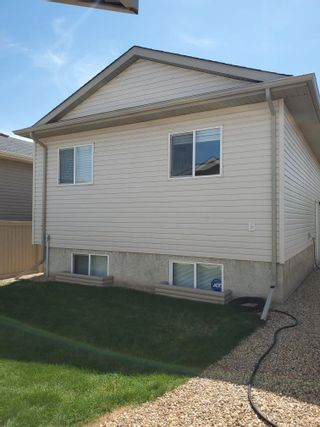 Photo 2: 140 Brintnell Boulevard in Edmonton: Zone 03 House for sale : MLS®# E4243716