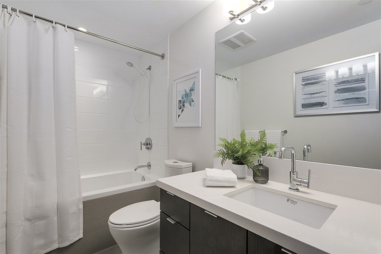"""Photo 15: Photos: 521 384 E 1ST Avenue in Vancouver: Mount Pleasant VE Condo for sale in """"CANVAS"""" (Vancouver East)  : MLS®# R2230543"""