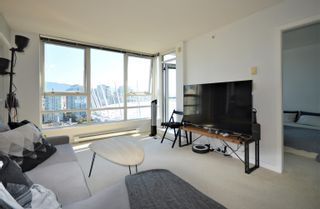 """Photo 2: 3107 928 BEATTY Street in Vancouver: Yaletown Condo for sale in """"THE MAX"""" (Vancouver West)  : MLS®# R2614370"""